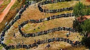 cette longue file d'électeurs n'est pas loin de celle qu'on observe quand on ouvre les concours